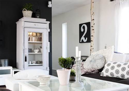Black-And-White-Swedish-Apartment-Interior-Inspiration_1