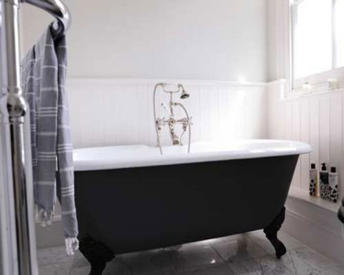 traditional-black-and-white-bathroom-ideas-design-625x500
