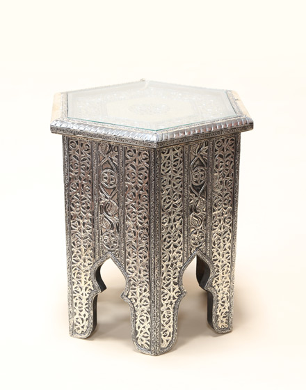 white-metal-hexagonal-maychor-side-table-WMST-1-m